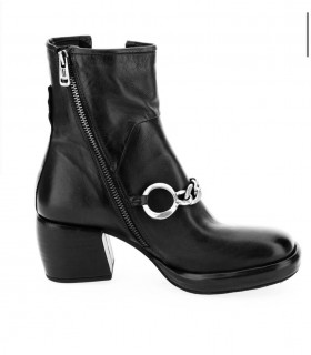 Ботільони чорні з ланцюжком на каблуку 1 - Respected-Person