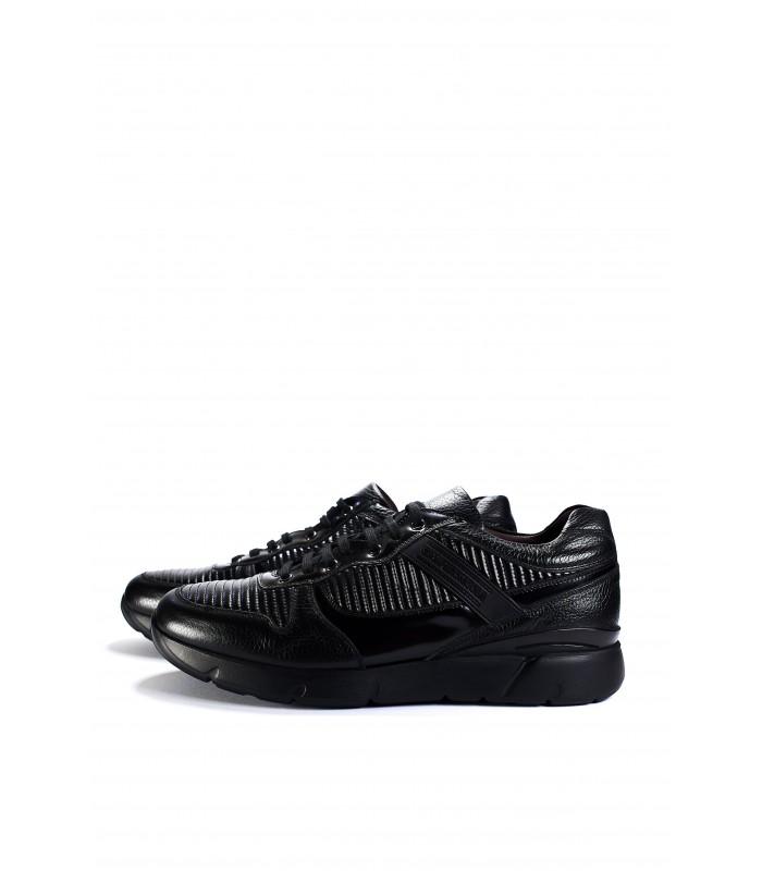 Кросівки чорні з натуральної шкіри