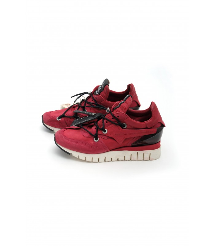 Кросівки червоні з вінтажної шкіри