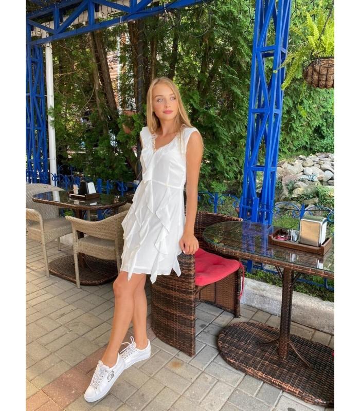 Сукня біла легка з воланами
