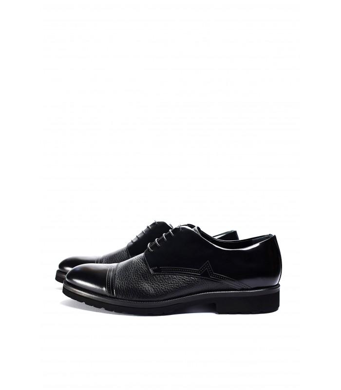 Туфлі чорні з фактурної та глянцевої шкіри на шнурівці
