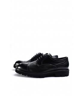 Туфлі чорні шкіряні з лакованими вставкми на тракторній підошві - Respected-Person