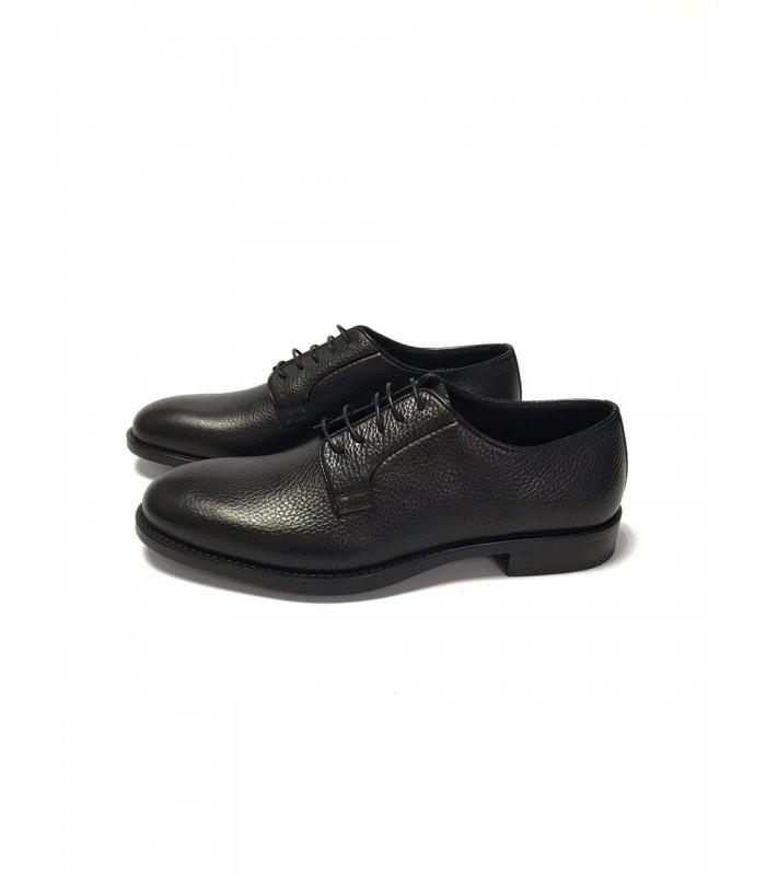 Туфлі чорні з фактурної шкіри