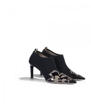 Туфлі чорні закриті стрейчеві