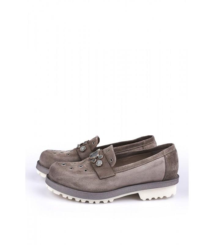 Туфлі-лофери бежеві замшеві з камінням