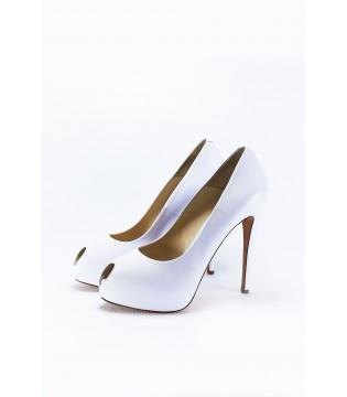 Туфлі білі з натуральної шкіри на шпильці